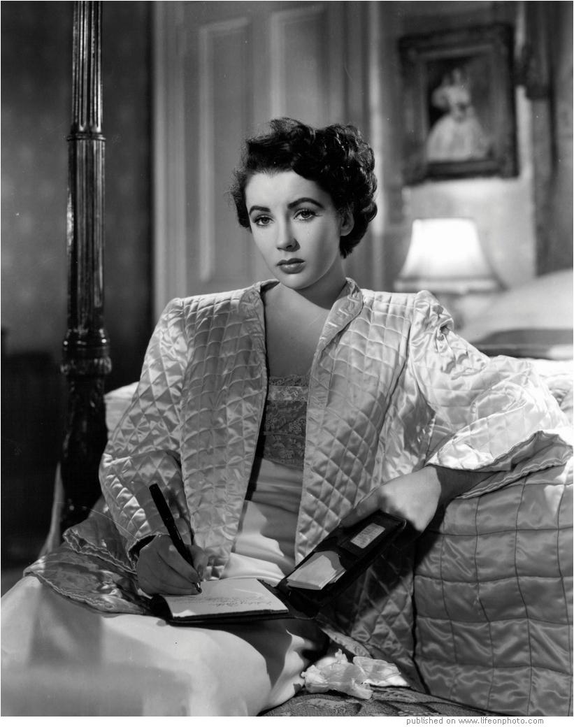 Elizabeth Rosemond Taylor
