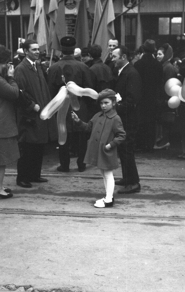 Первомайская демонстрация,начало семидесятых