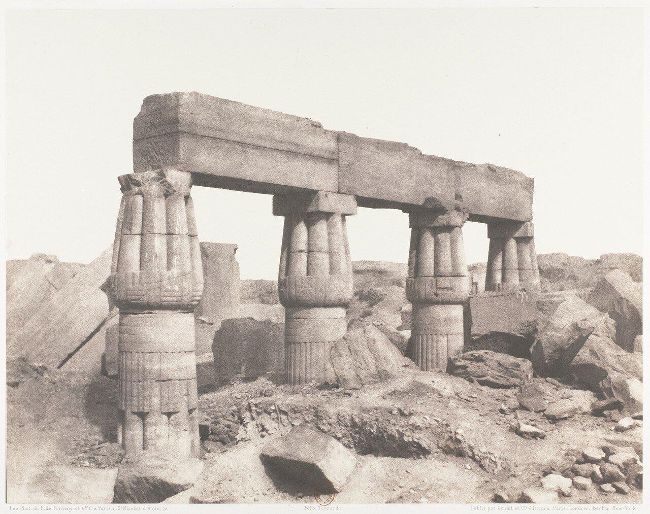 Карнак. Фрагмент колоннады
