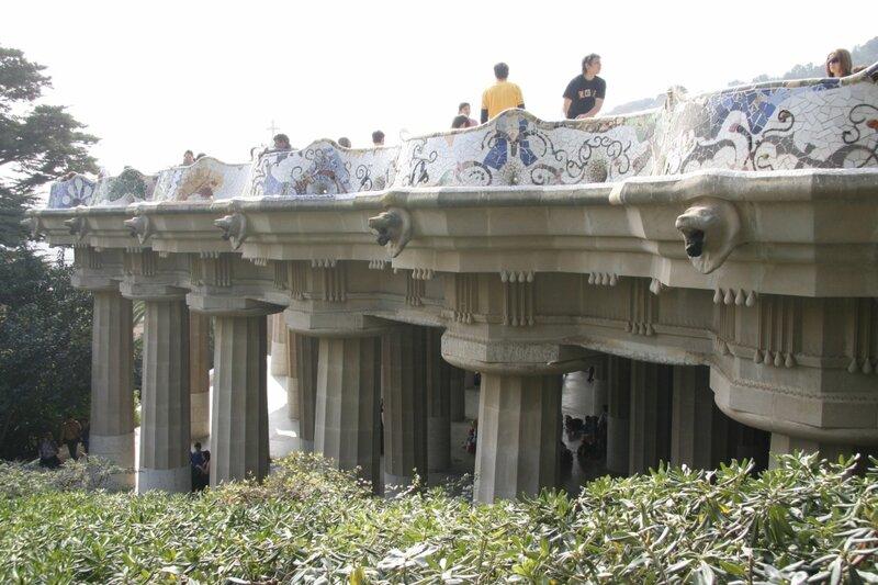 Длинная скамья и Зал ста колонн, Парк Гуэля