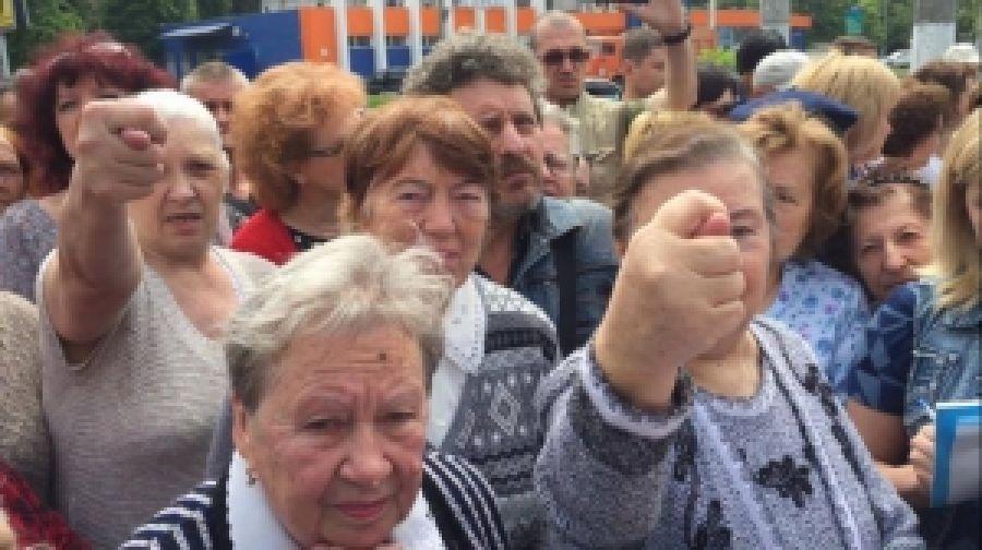 Проплаченных митингующих очередной раз согнали на сепаратистском сборище