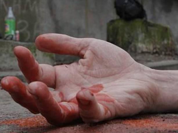 В Одессе нетрезвый мужчина насмерть забил человека на улице и поджег ее