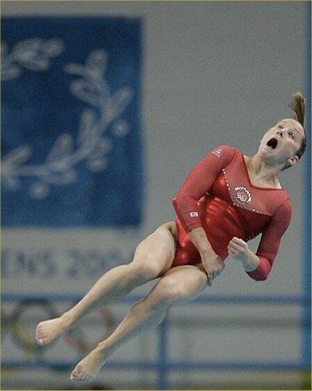 А что это вы там делаете? Фото смешных лиц спортсменов