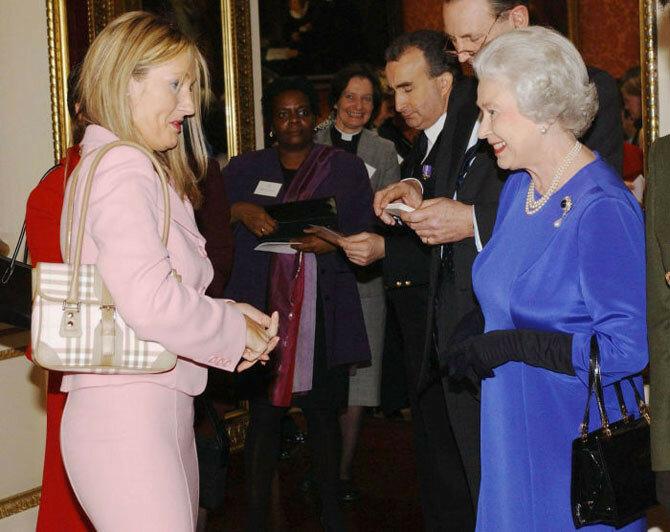 Звездный дресс код: платья знаменитостей на встречах с королевой Великобритании