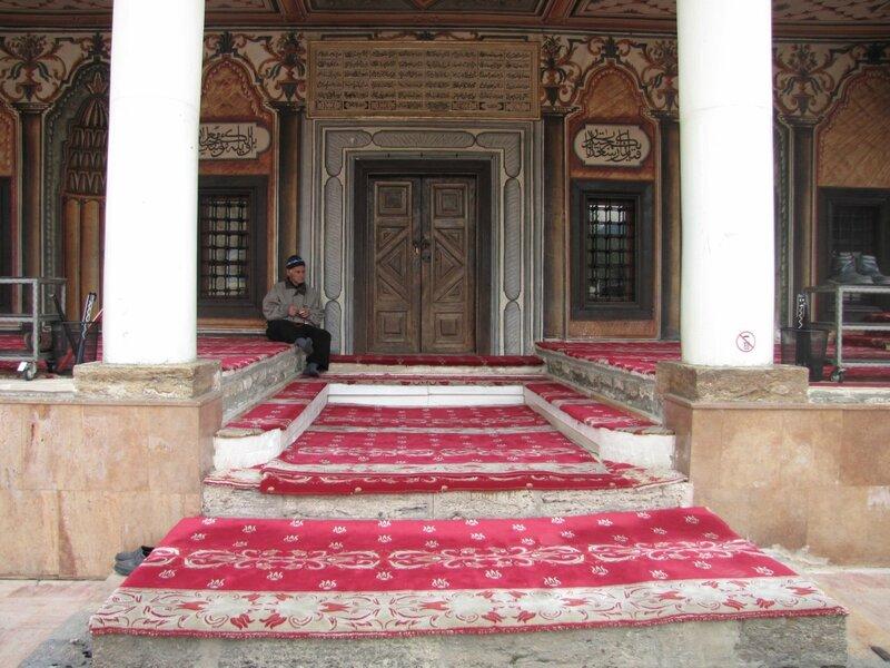 В старинной тетовской мечети.