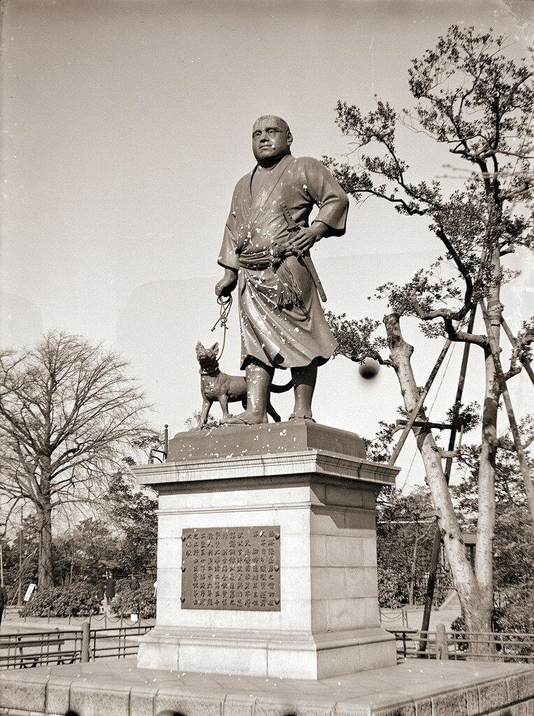 Saigo Takamori Statue at Ueno Park, 1930s.