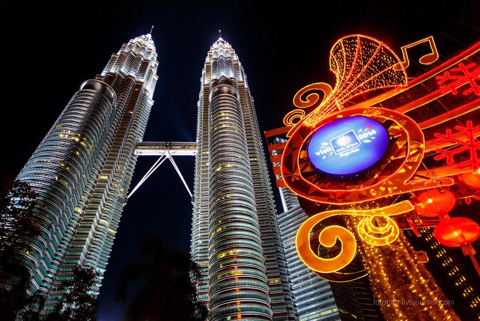 21. 88 этажей, почти полкилометра высотой! И что больше всего удивляет — построили всего за 6 л