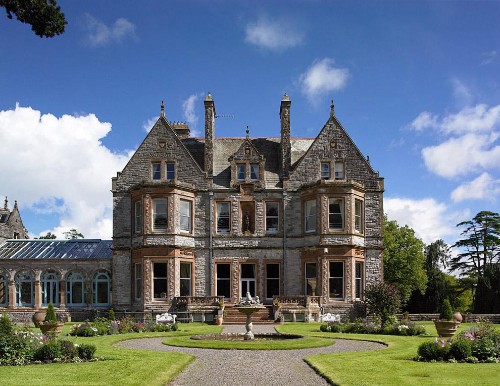 18. Замок Лесли расположен на территории в 1000 акров в местечке под названием Глазло, в графст