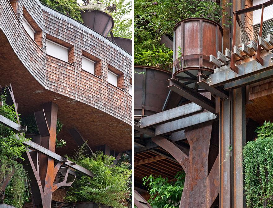 Урбанистический дом с деревьями, которые защищают жителей от шума и грязи