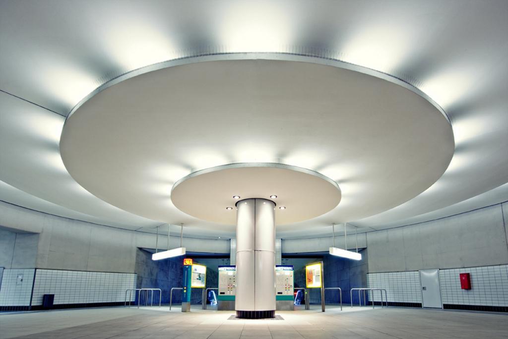 Германия. Франкфурт. Станция Боккенхаймер Варте. (Andreas Wecker)