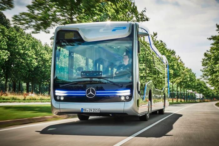 Невероятная возможность автоматизированного вождения. Дизайн интерьера автобуса с открытой планировк