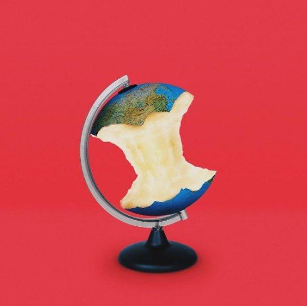 Иллюстрации, высмеивающие современные ценности западного мира