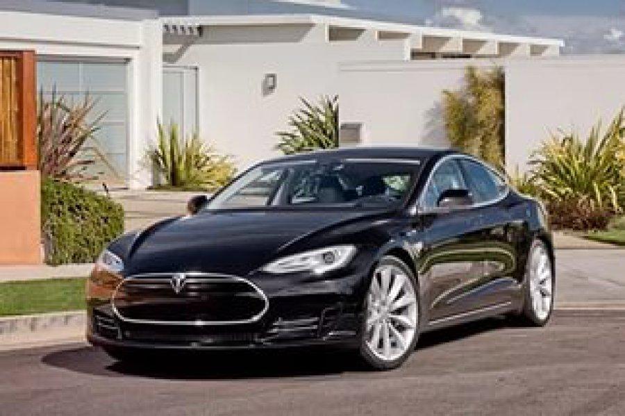 Норвежские владельцы Tesla хотят судиться скомпанией из-за очень низкой скорости авто
