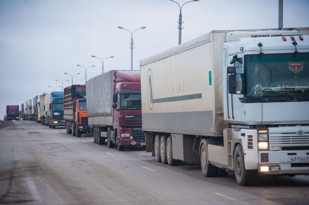 В Российской Федерации будут облагать штрафом перевозчиков-уклонистов всистеме «Платон»