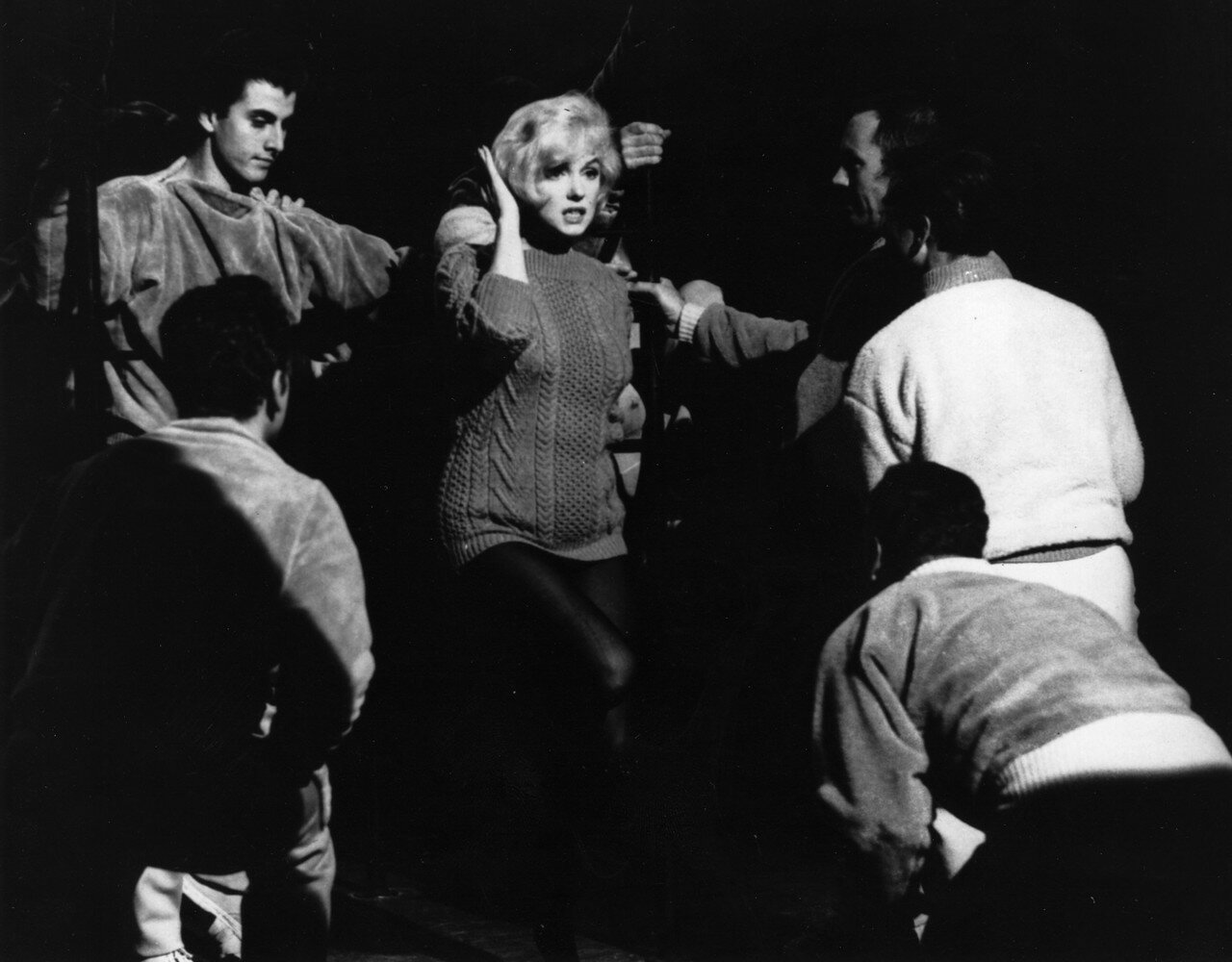 Monroe With Dancers
