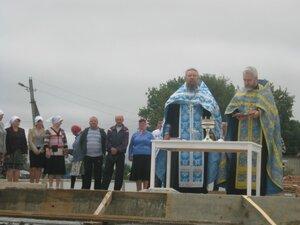 Освящение фундамента на строительстве православного храма в селе Рябчи.