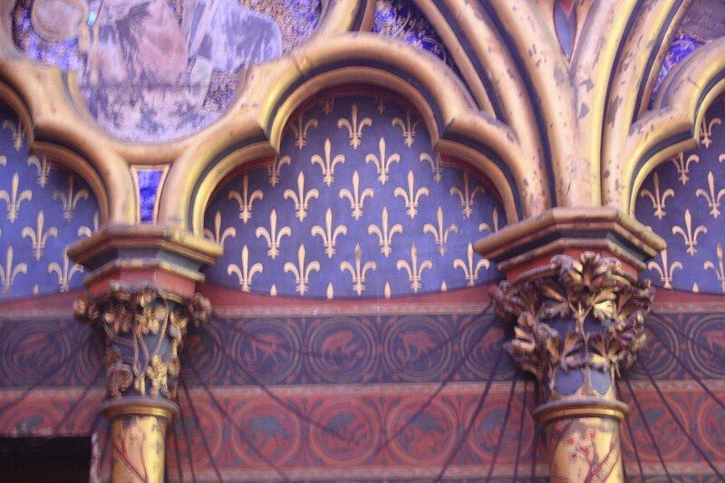 Капители слепой аркатуры капеллы Сент-Шапель