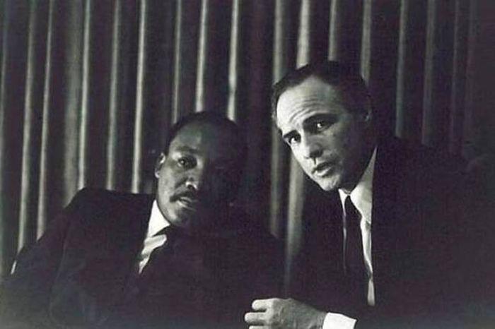 Мартин Лютер Кинг и Марлон Брандо.