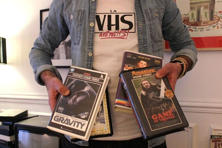 Francuzskij-bloger-sdelal-retrooblozhki-sovremennyx-filmov-i-serialov-v-stile-videokasset-80-x-11-foto