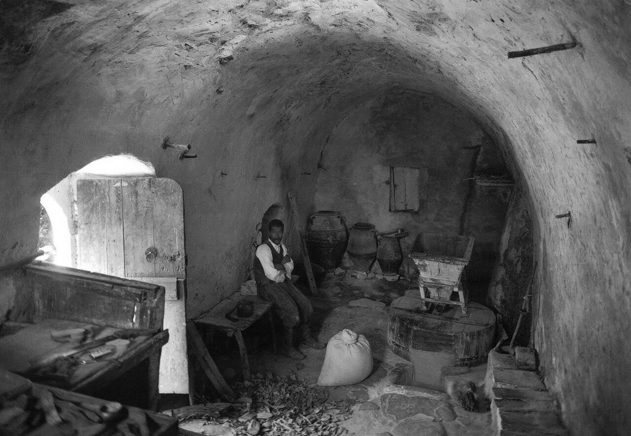 1911. Марония. На мельнице