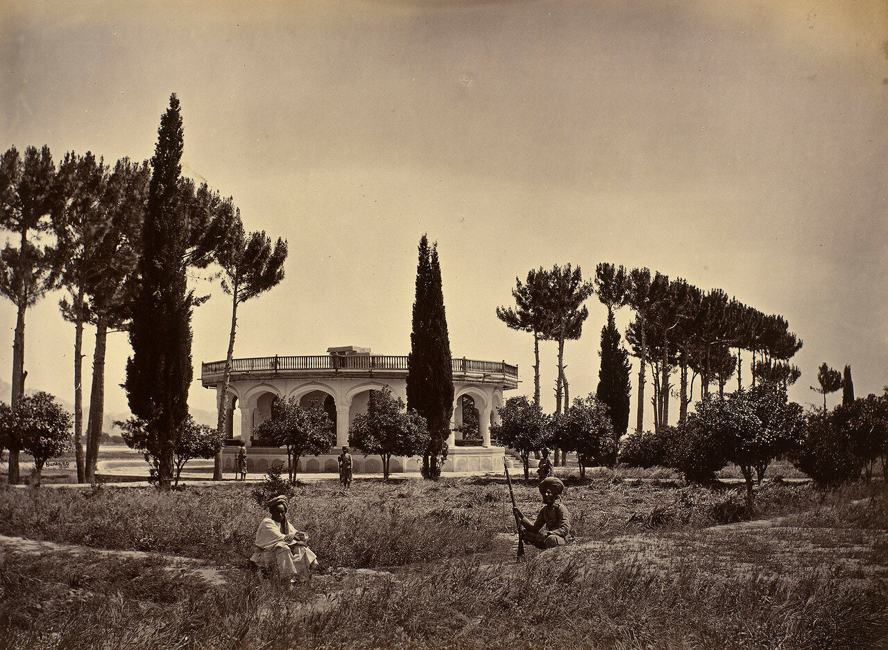 Джалалабад. Сад