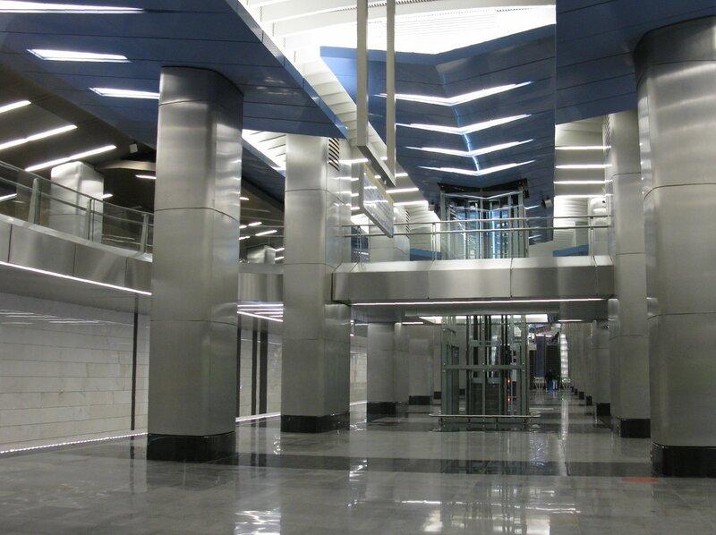 Станция м. Деловой центр.