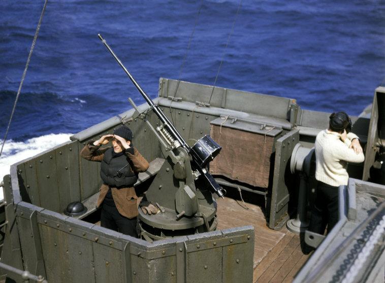 Wonderful Colour Photographs of World War II by Robert Capa (13).jpg