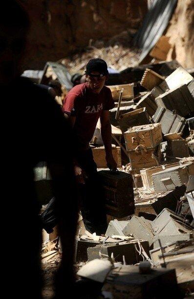 Libyan rebels seize boxes of ammunition