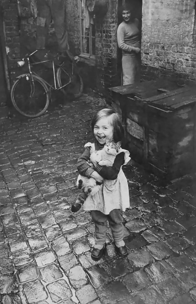 Счастливая французская девочка иеекот, 1959г.