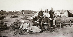Офицери от 3-та Гвардейска пехотна дивизия по време на почивка, вероятно в лагера край Яръм-Бургас (днес Кумбургас, Турция), 1878 г.