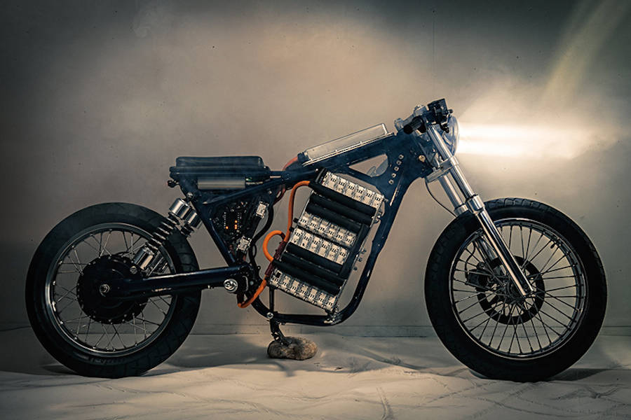 Customized Motorcycle with a Nissan Leaf Engine (8 pics)
