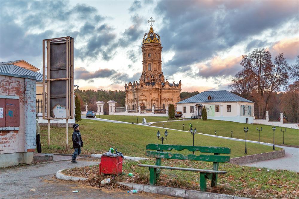 Церковь в Дубровицах - символизирует или нет?