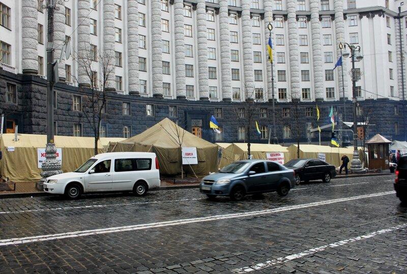 Палатки Тарифного Майдана на Грушевского