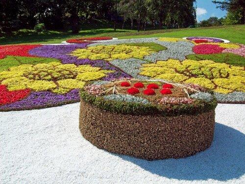 Киев. Цветочная композиция выставки цветов 2011