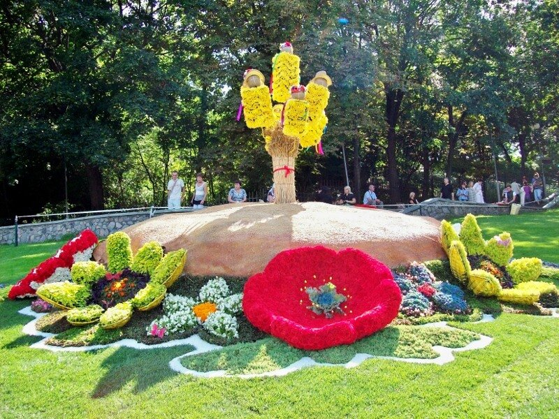 Киев. Цветочная композиция на выставке цветов 2011