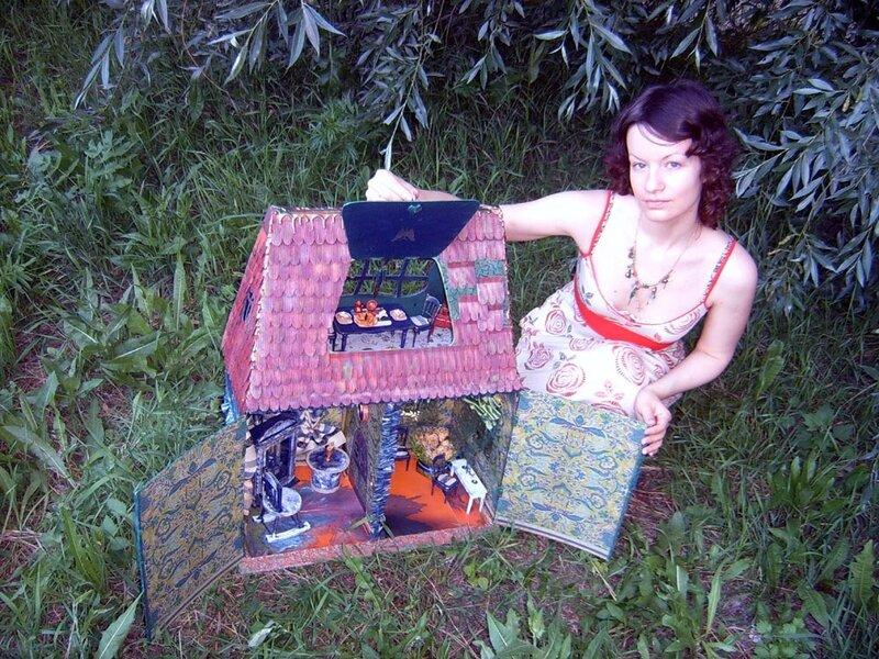 Зацените, пожалуйста, мой первый кукольный дом.  МНОГО фото - ЗДЕСЬ. http...