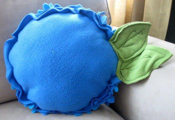 Фото красивых декоративных подушек, сделанных своими руками