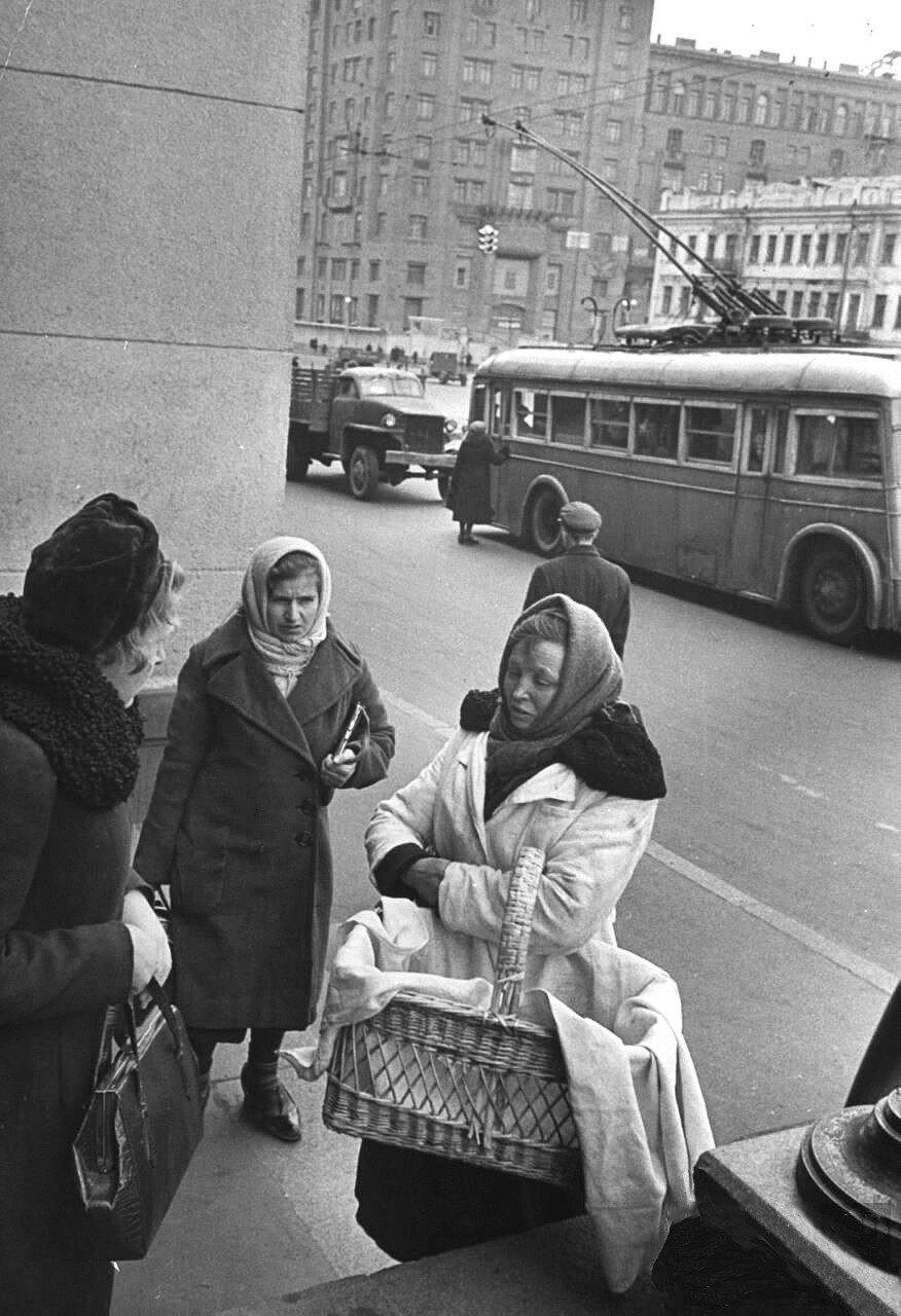 1947 ноябрь Площадь Маяковского.jpg