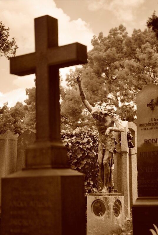 Прага. Надгробия и памятники. фотограф  http://color-foto.com/