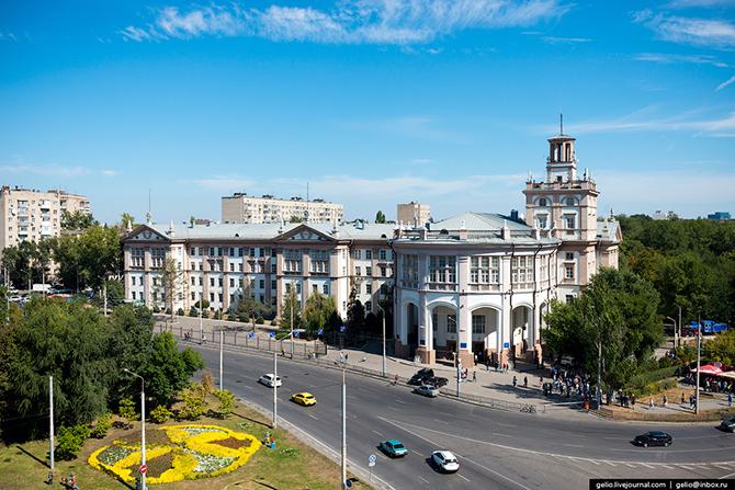 Ростовский государственный университет путей сообщения («РИИЖТ»).