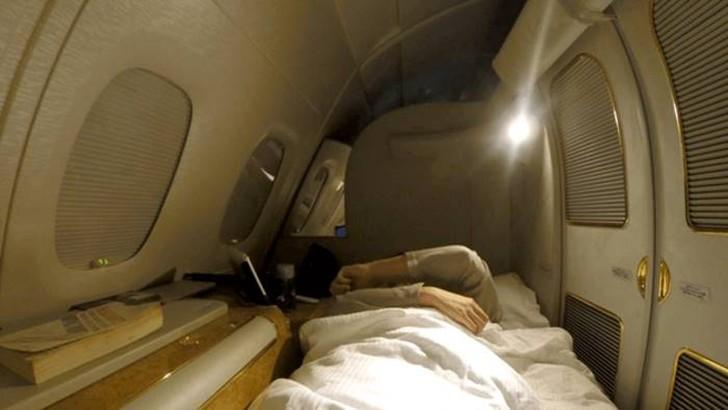 39. Еще одной удивительной особенностью A380 Emirates являются автоматизированные жалюзи. Чтобы сохр