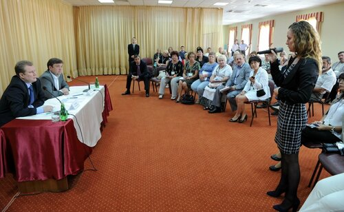 Губернатор Андрей Шевелев встретился с редакторами районных СМИ