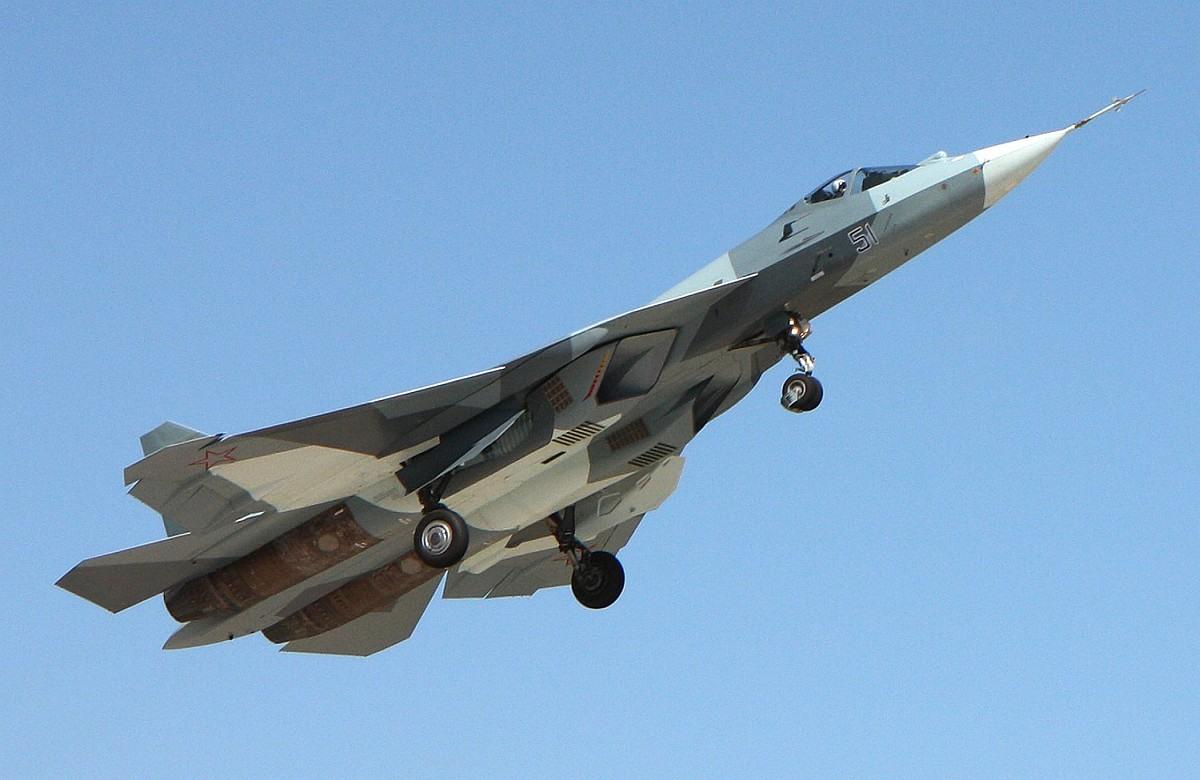 Демонстрация истребителя Т-50 на МАКСе-2011