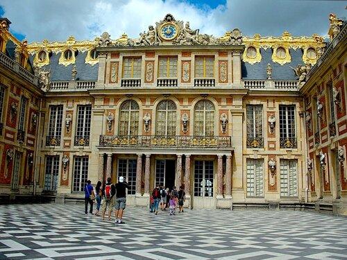Версаль. Центральный вход во дворец.