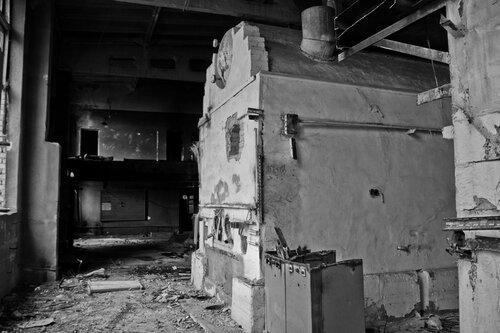 Заброшенный завод. Саратов (13.09.2011)