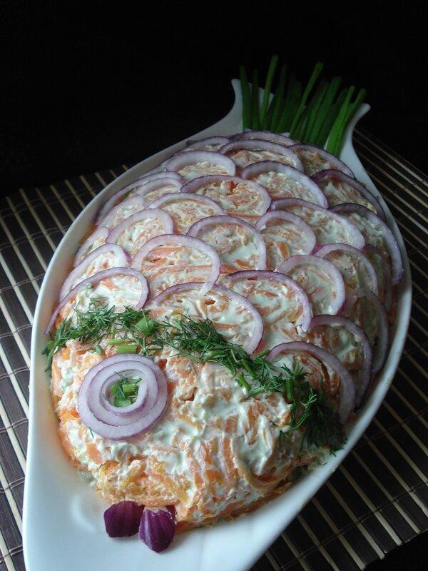 """Салат """"Рыбка"""" с красной рыбой и овощами"""