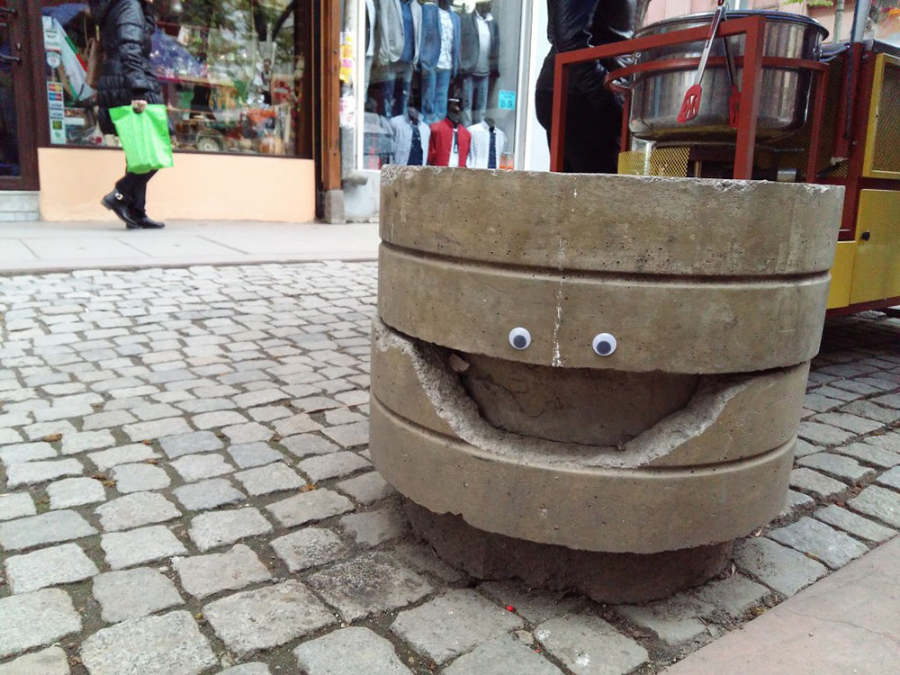 Artist Shows That Putting Googly Eyes on Inanimate Objects Never Gets Old
