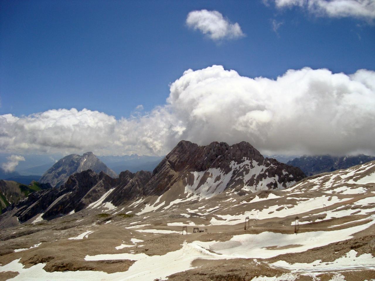 Альпы в облаках
