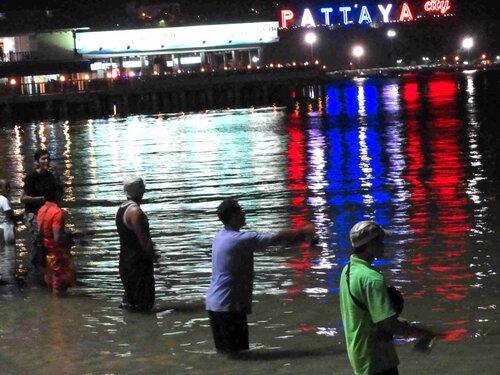 Усталость смоет дождь... Паттайя, сентябрь 2011
