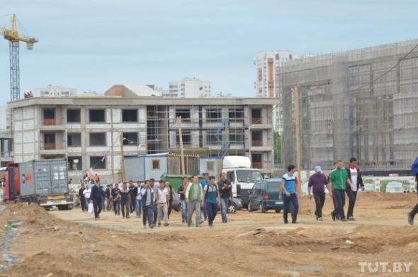Минские строители начали забастовку из-за пресного хлеба